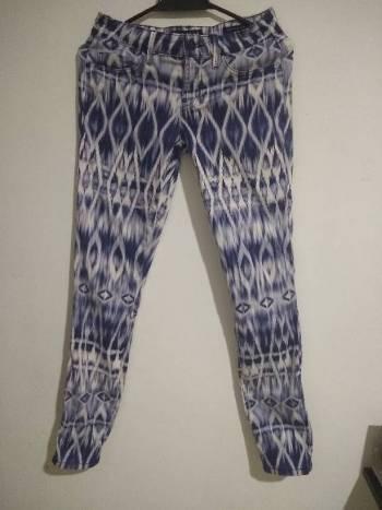 Foto Carousel Producto: Pantalón Guess talla S GoTrendier